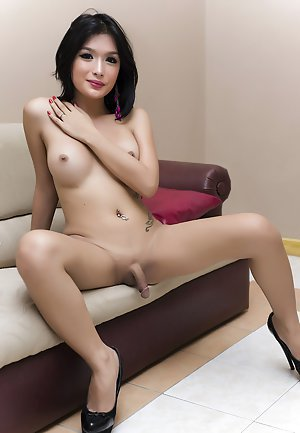 Asian sexy shemale