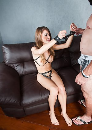 Asian Shemale Bondage - Asian Shemales In Bondage Pics.