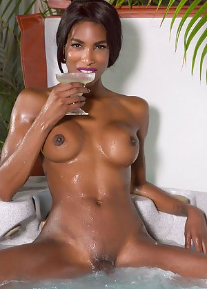 Oiled Shemales Pics